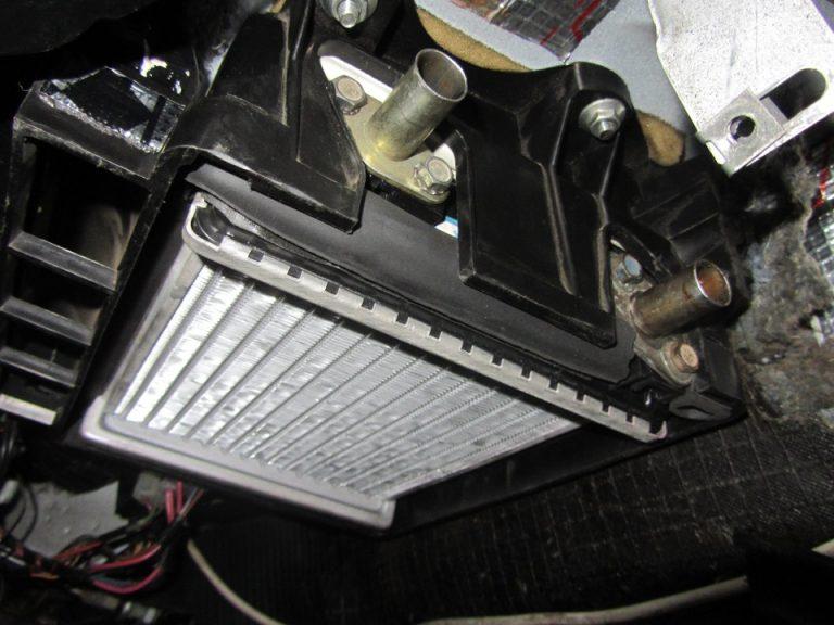 снятие радиатора печки фото