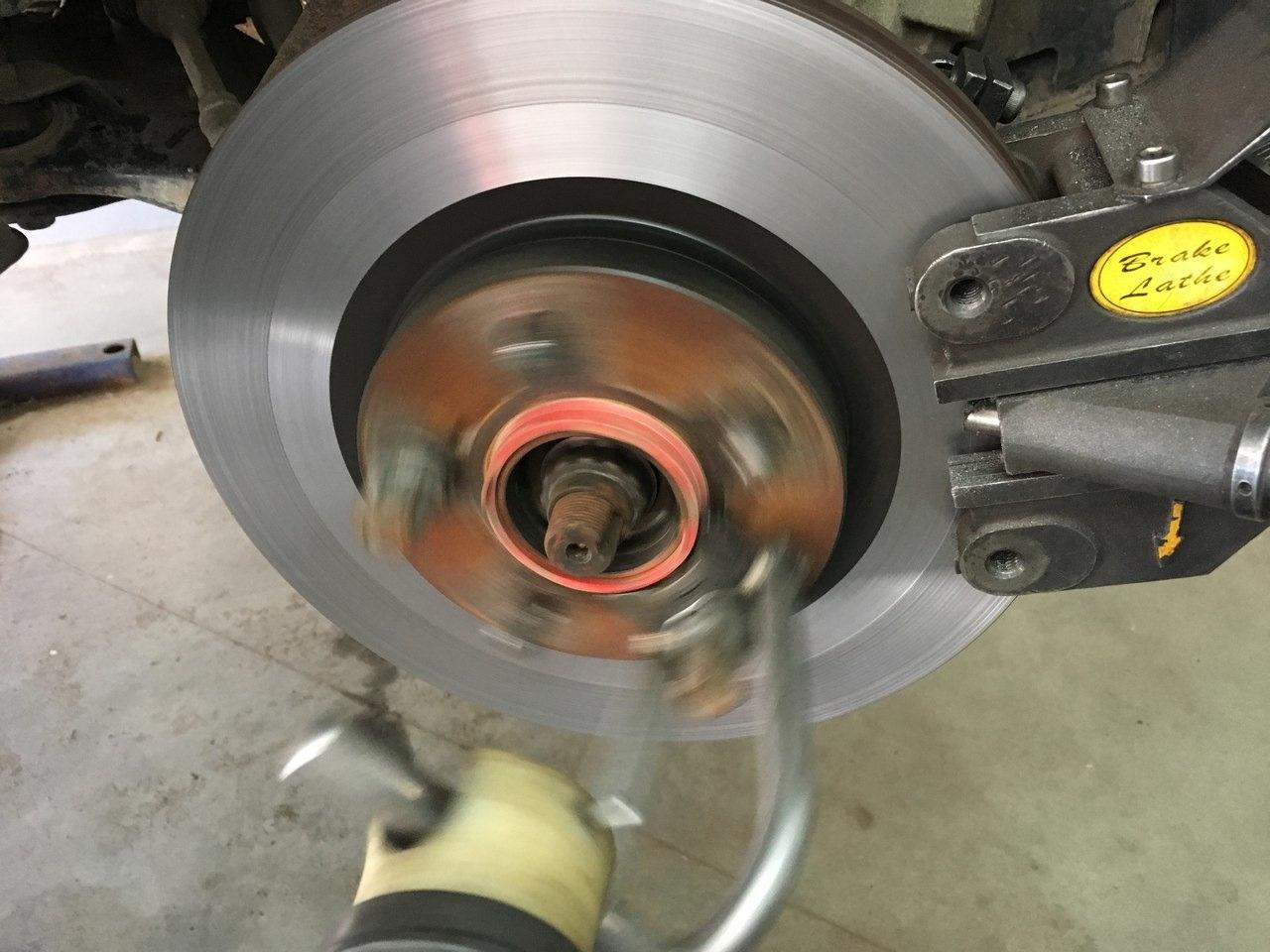 Проточка тормозных дисков и возможные нюансы